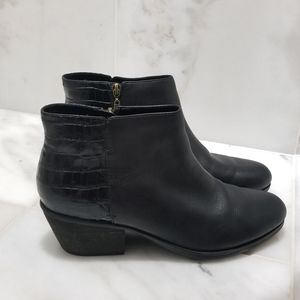 Clarks Black Alligator Detailed Back Booties